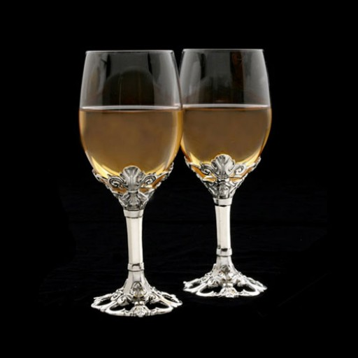 Arthur Court Fleur-De-Lis Wine Glass Set - Set of 2