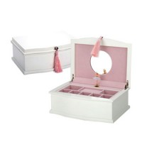 Reed and Barton Ballerina Musical Chest - White/Soft Pink